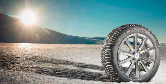 Proč (ne)pořídit celoroční pneumatiky? Poznejte jejich přednosti a nedostatky