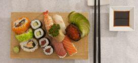 Víte, jak jíst sushi?