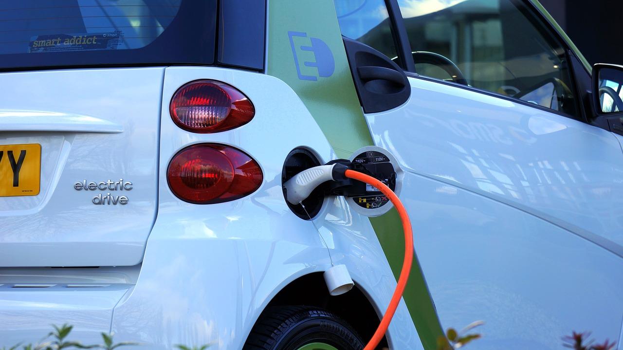 Jaké jsou výhody elektromobilu v ČR?