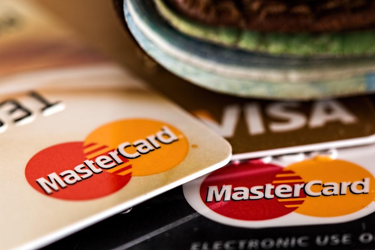 Je bezpečná platba kartou online na e-shopu?