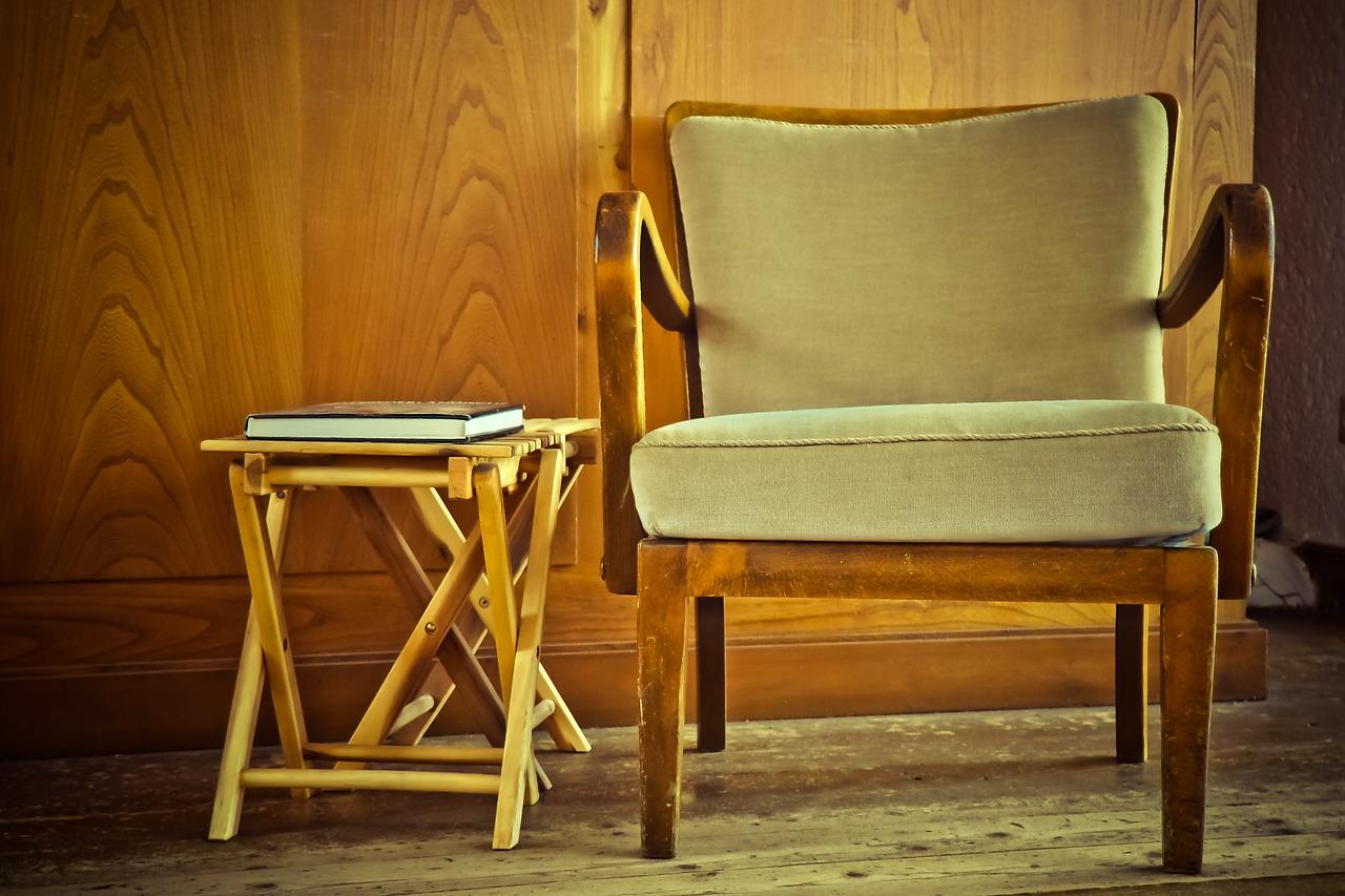 Nechte si přečalounit starý nábytek. Bude zase jako nový
