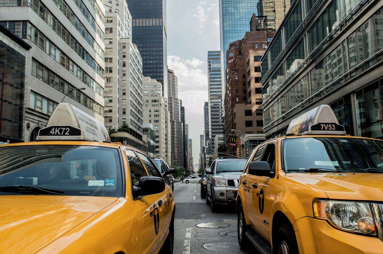Kde online sledovat dopravní situaci? Tipy, které pomohou každému řidiči
