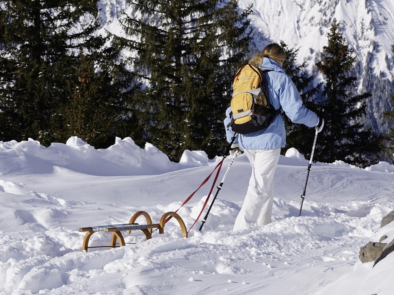 Výhody chození po horách s holemi
